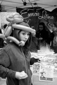 Balloon monkey hat