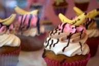 Banana split cupcake?!