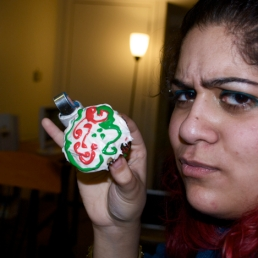 I don't know why Sunia is so angry at her pretty cupcake.