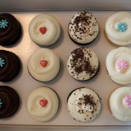 Chocolate, Red Velvet, Cookie n Creme, and Vanilla!