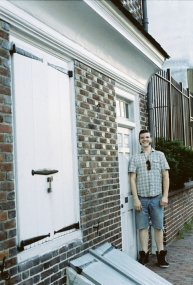 Kyle is as tall as Betsey Ross's front door!