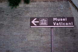 Musei Vaticani, thataway.
