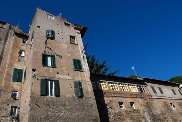 Human adaptation: apartments and gardens atop part of the Aurelian wall.