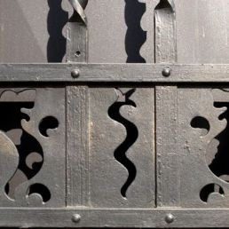 Seahorses for seahorse sake. They bear absolutely no meaning in the art and architecture of Quartiere Coppedè.