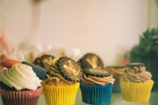 Louis Vuitton, designer cupcakes!