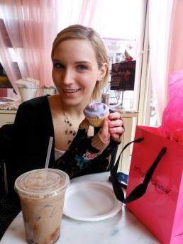 Betty & a Magnolia cupcake!