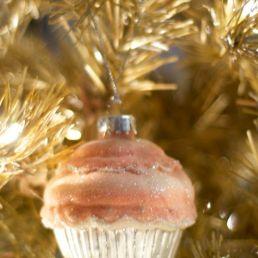 The tin cupcake.