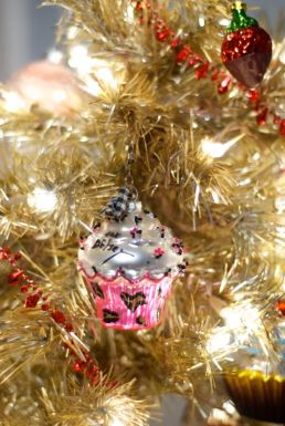 Betsey Johnson, you're my little cupcake!