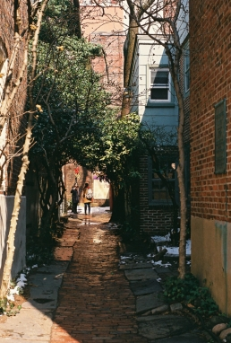 Elfreth's Alley's Alley, 35mm.
