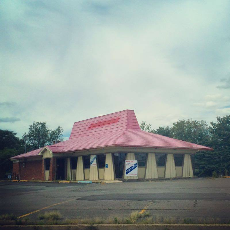 An abandoned Pizza Hut in Hanover Township, PA.