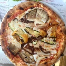Zucchini and eggplant pizza from Ricette Tricolori, Mlan.